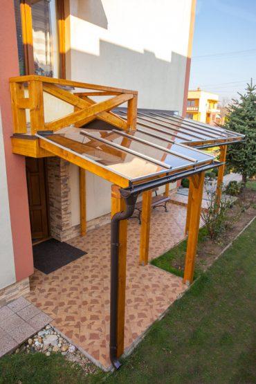 Prekrytie terasy a chodníka