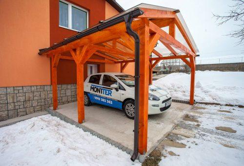 Prístrešok pre auto so suchým prechodom