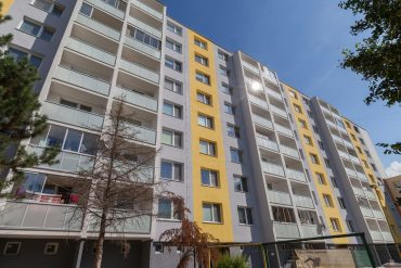 Zasklenie balkónov Snina